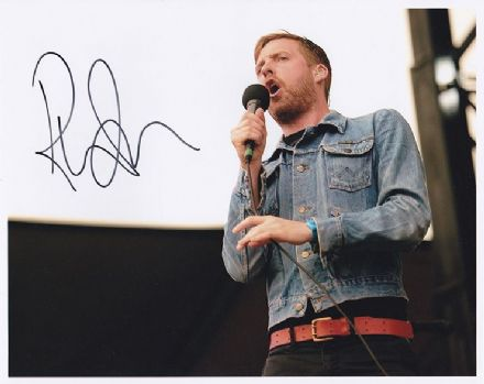 Ricky Wilson, Kaiser Chiefs, signed 10x8 inch photo.